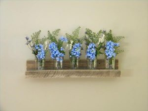DIY Floating Pallet Wall Shelf