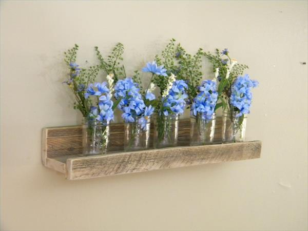 DIY Floating Pallet Wall Shelf | Pallet Furniture Plans