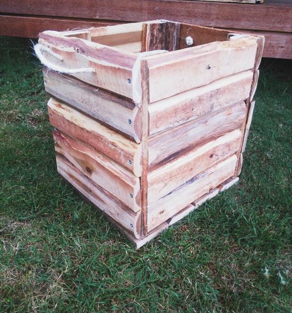 reclaimed pallet box