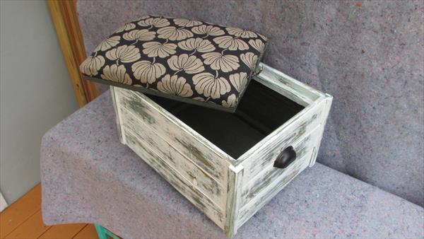 repurposed pallet cushioned ottoman