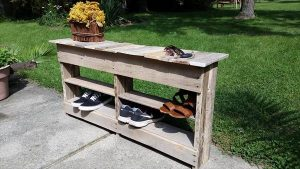 reused pallet shoes rack