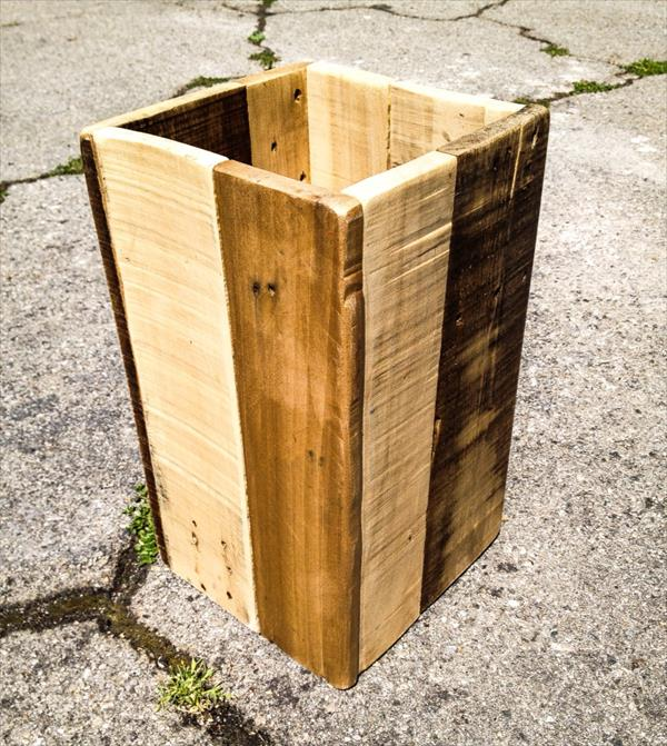 salvaged pallet trash bin