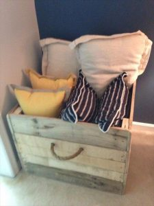 DIY Custom Pallet Box with Rope Handles