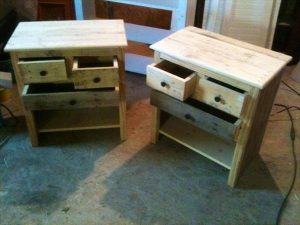 DIY Vintage Set of Pallet Nightstands