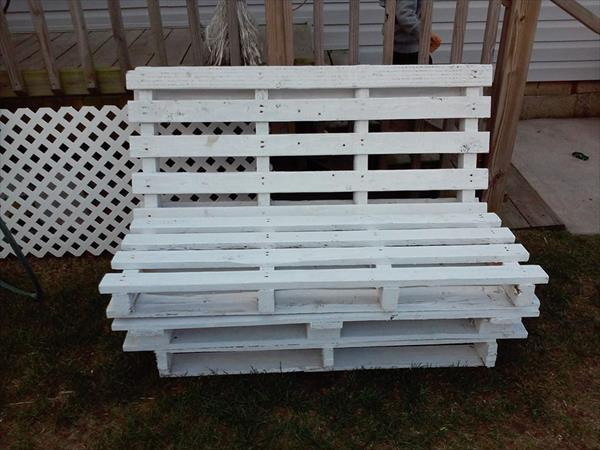 upcycled pallet outdoor bench