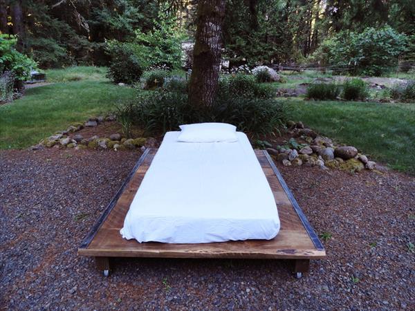 Pallet bed pallet furniture plans for Pallet platform