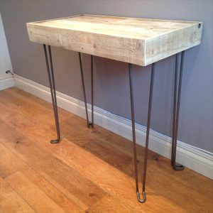 DIY Pallet Wood Side Table with Hairpin Legs