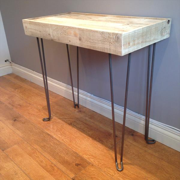 recycled pallet side table with hairpin legs