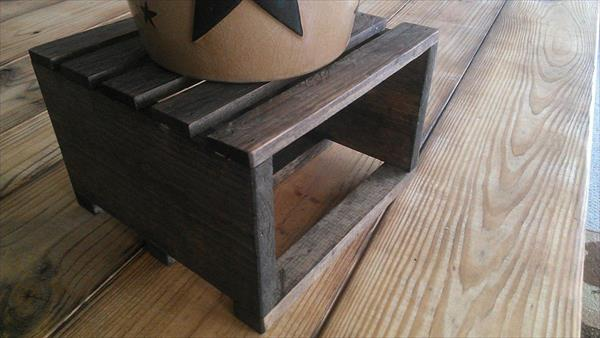 recycled pallet table riser