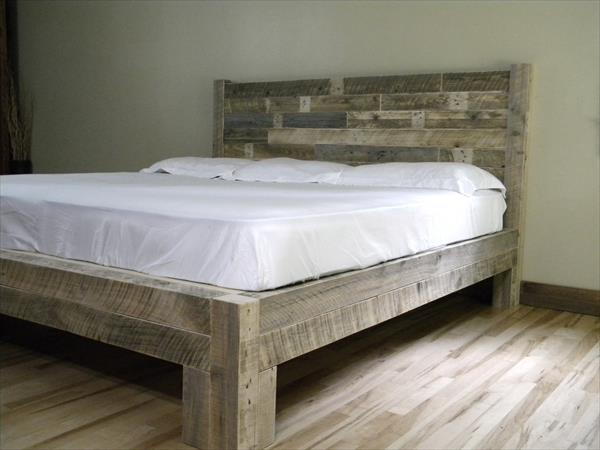 DIY Pallet King Size Bed | Pallet Furniture Plans
