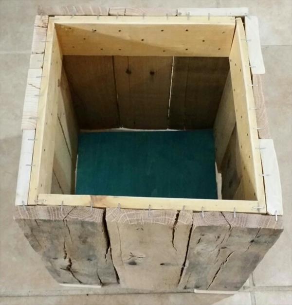 Diy Reclaimed Pallet Trash Bin Pallet Furniture Plans