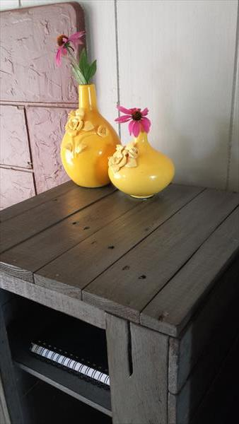 repurposed pallet large side table