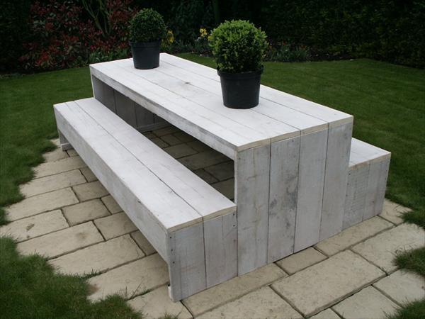 reclaimed pallet garden furniture