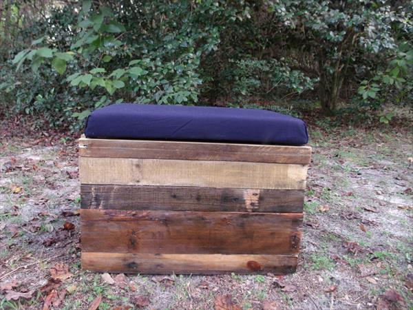 salvaged pallet ottoman with cushion