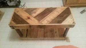 DIY Pallet Custom Built Coffee Table
