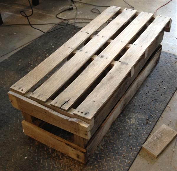 recycled pallet coffee table and bench