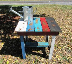 DIY Pallet Rustic Patio Table / End Table