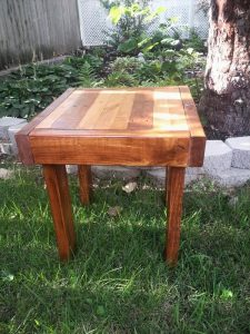 DIY Pallet Side Table and End Table