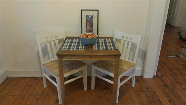 diy renovated pallet chair