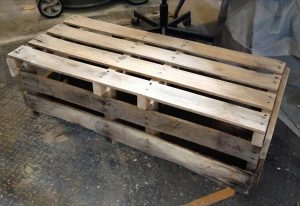 DIY Pallet Bench / Coffee Table