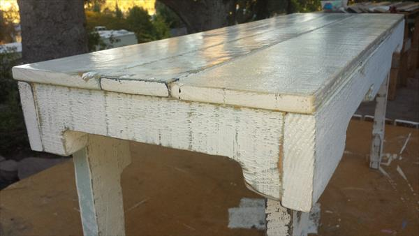 reclaimed pallet distressed white bench
