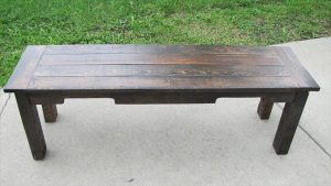 DIY Pallet Sitting Outdoor Bench