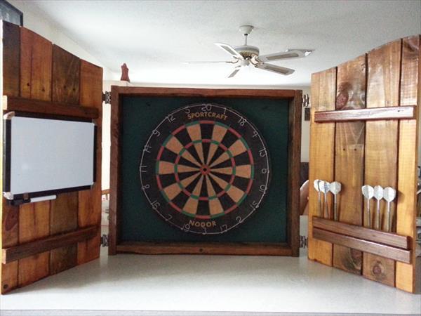 diy pallet dartboard