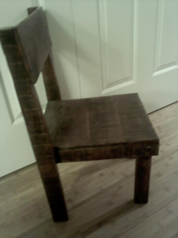 upcycled pallet toddler chair