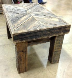 DIY Pallet Chevron Top Coffee Table