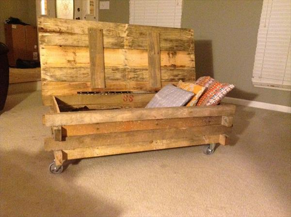 diy pallet coffee table with secret stash