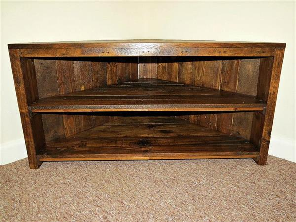 recycled pallet corner TV stand
