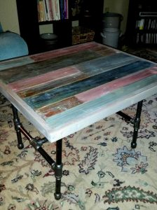 DIY Reclaimed Pallet End Table