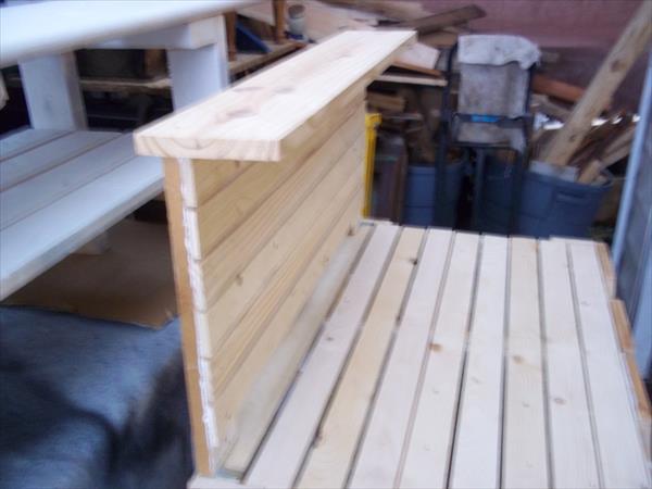 repurposed pallet potting bench