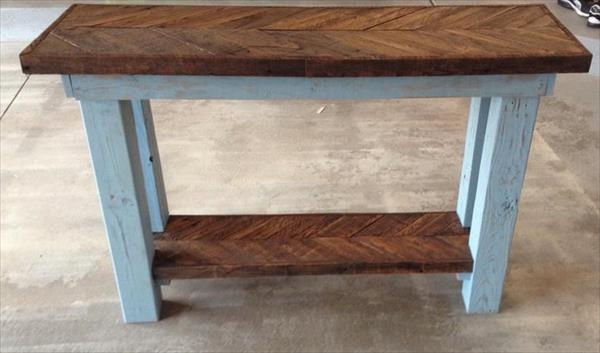 recycled pallet sofa table with chevron pattern