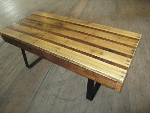 DIY Pallet Coffee Table with Flat Steel Legs