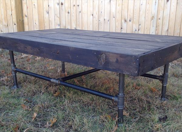 recycled pallet and metal coffee table