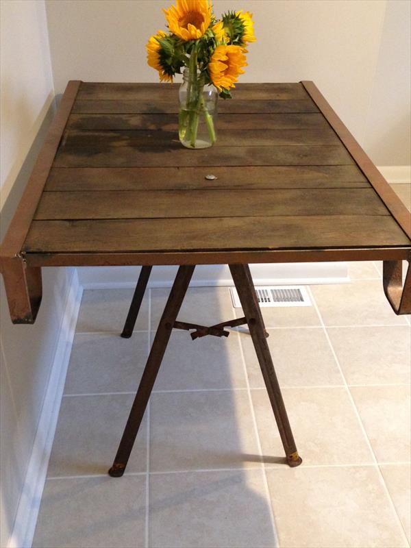upcycled pallet wood and steel coffee table