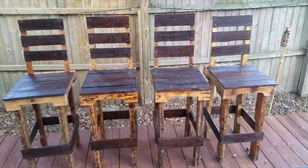 repurposed pallet chairs