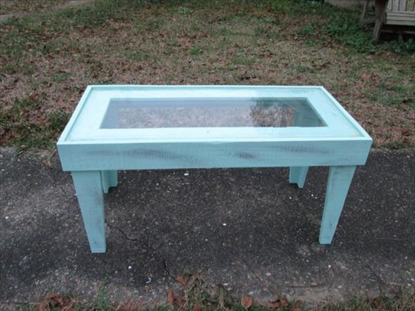 salvaged pallet outdoor coffee table with glass top