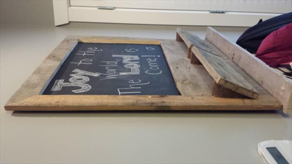 wooden pallet message box