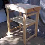 DIY Wooden Pallet Garden Work Bench