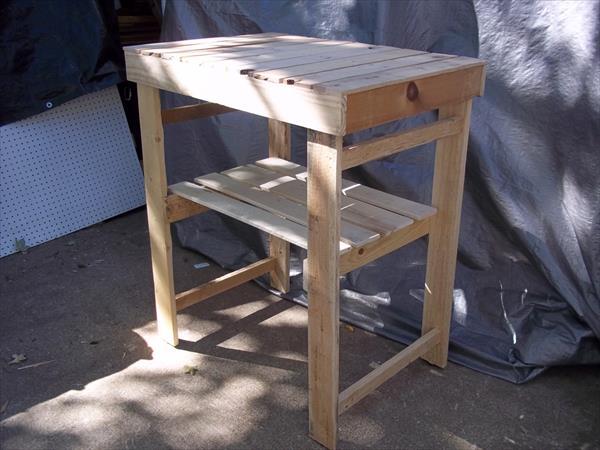 rustic yet sturdy pallet garden work bench