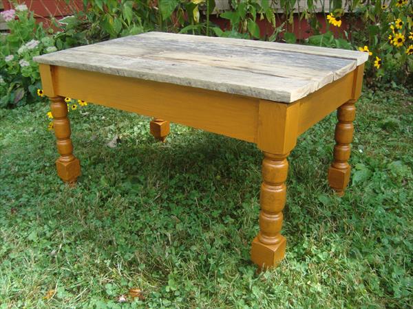 refurbished pallet table