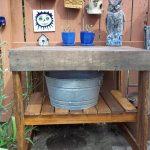 DIY Pallet Garden Work Bench