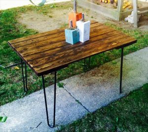 DIY Salvaged Rustic Pallet Table with Hairpin Legs