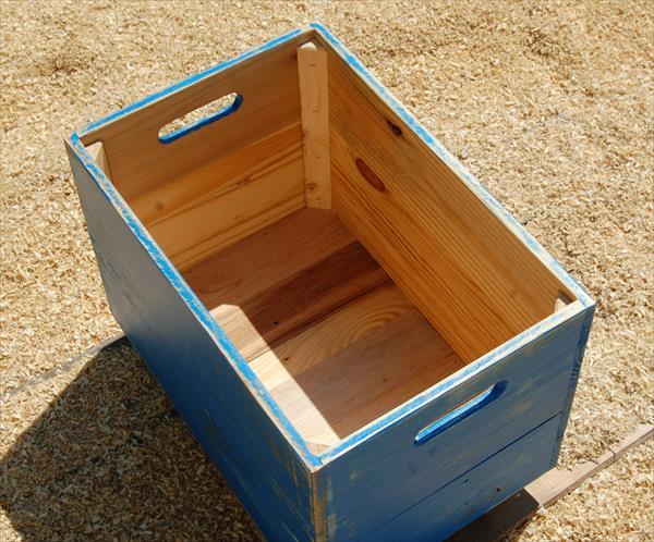repurposed pallet rolling crate