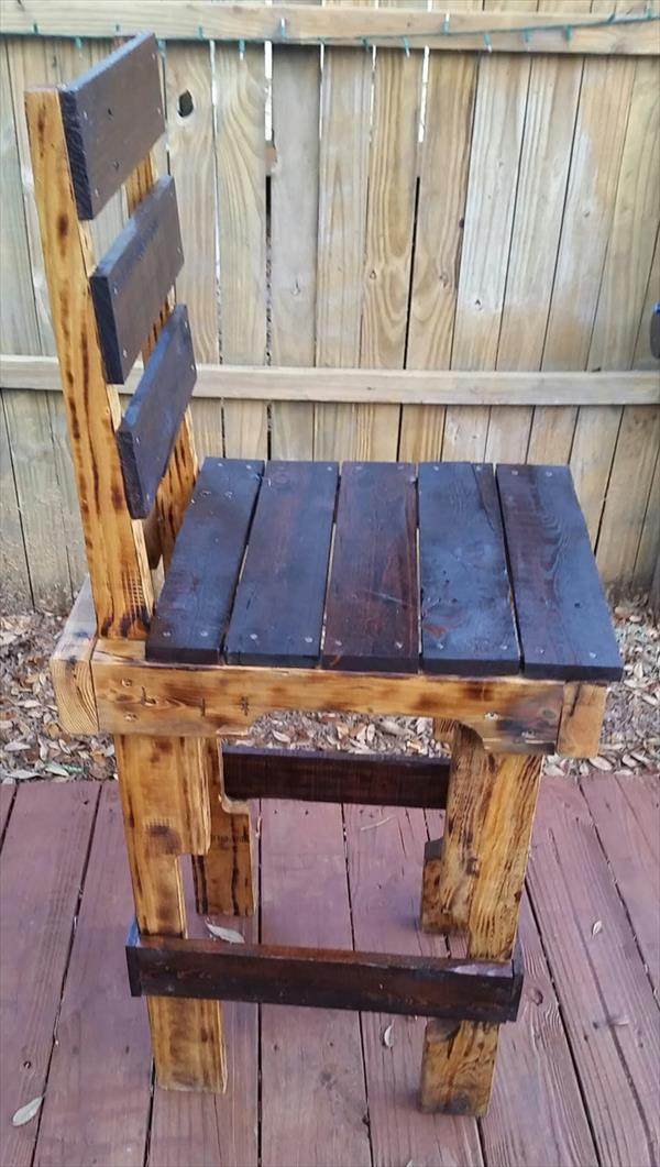 upcycled-rustic-pallet-wood-chair