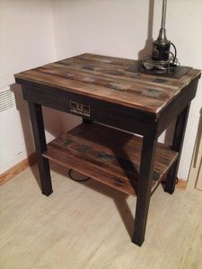 recycled pallet side table
