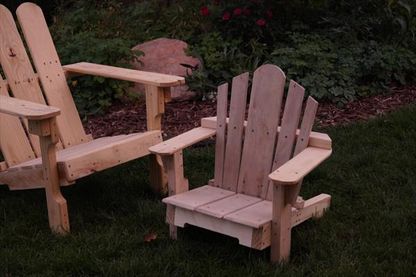 reclaimed pallet adirondack toddler chair