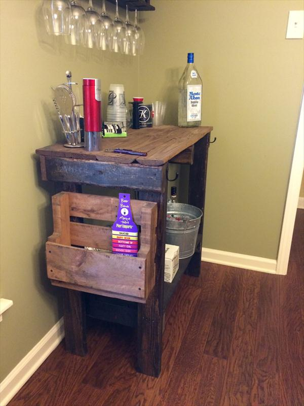 recycled pallet distressed table